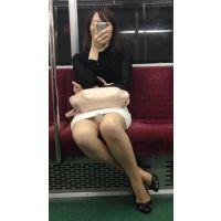 電車内のだらしないポーズをしたエロすぎる美人OL(其の一)