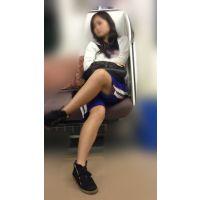 電車内の健康的美脚をさらけ出す部活帰りの女子マネージャー(其の四)