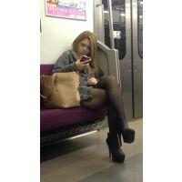 電車内のキャバ嬢2人組