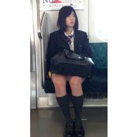 美人すぎる!電車内のミニスカ美脚JK(後編)