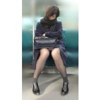 【セット販売】電車内のモデル風極上美女の無防備黒スト美脚