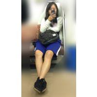 電車内の健康的美脚をさらけ出す部活帰りの女子マネージャー(其の三)