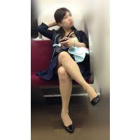電車内のいやらしいカラダをした抱き心地が良さそうな美人OLさん(其の五)