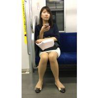 盗撮カメラに気付き冷静さを失うエロいカラダの美人OLさん(前編)