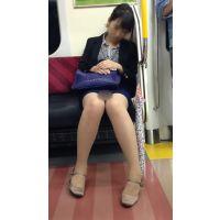 電車内の優先座席で爆睡する色っぽいOL(前編)