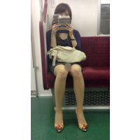 電車内の美人OLの綺麗すぎる無防備美脚(其の一)