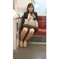 仕事に追われるスーツが似合うセクシー女子社員(其の一)