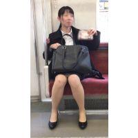 【セット販売】リクルートスーツを着て就活を頑張るスタイルが良い女子大生