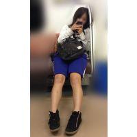 電車内の健康的美脚をさらけ出す部活帰りの女子マネージャー(其の一)