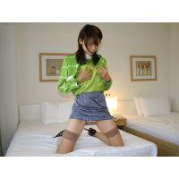【綺麗なお姉さんシリーズ】コンパニオンの制服を着せてオナニー&クンニ