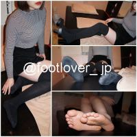[Image + boots undressing video] 23 year old cafe shop clerk kne