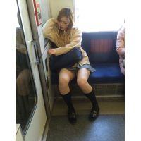 ■通学電車でチラっ娘撮り■