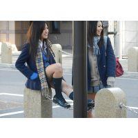 ■通学中の短すぎる制服JK■