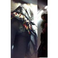 駅で見かけた黒ストギャルを