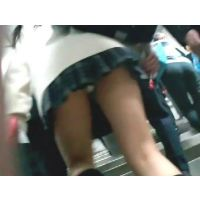階段を上る女の子を逆さ撮り【動画】TON 01とtail 3人目〜8人目 セット販売