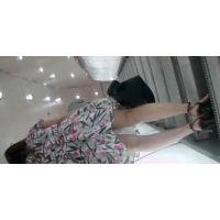 スタイルの良いお姉さんのエロ尻と可愛いパンチュ【高画質動画】エスカレーター逆さ撮り 005と001セット販売