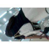 エスカレーター逆さ撮り白いスカートに黒いパンチュ【高画質動画】011と003セット販売