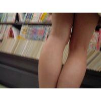 【動画】私服姿の女の子立ち読み中を逆さ撮り可愛いパンチュ rere 02〜06セット販売