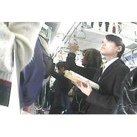 制服姿の女子校生・リクルートスーツの女子大生【動画】電車内の様子 7作品セット販売