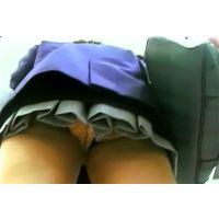 激ミニ女の子よく見るとキティちゃんのパンチュ履いてますw【動画】PE10