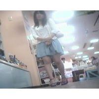 立ち読み中を逆さ撮り私服姿の女の子【パンチラ動画】花色木綿 16と01〜05セット販売