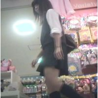Tバック?食い込んでる?派手なパンチュを履いた幼い女の子【パンチラ動画】花色木綿 01〜04セット販売