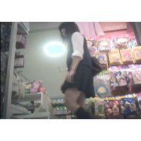 Tバック?食い込んでる?派手なパンチュを履いた女の子【パンチラ動画】花色木綿 01と11〜13セット販売