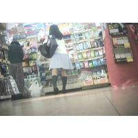 重ね履きでパミパンしまくり!お買い物中の女子校生【パンチラ動画】花色木綿 10と05セット販売