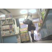 女子校生を逆さ撮り書店で本を読んでいる所を【パンチラ動画】花色木綿 06と08セット販売