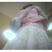 ゲームセンターで遊ぶ女の子脚を思いっきり開いてくれました【パンチラ動画】花色木綿 01〜09セット販売