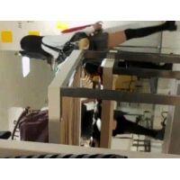 幼い学生を逆さ撮りピンクのパンチュ友達とお買い物【高画質動画】07と06セット販売