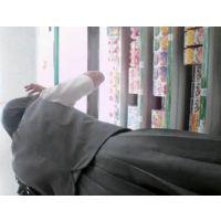 ランドセルを卒業したばかりの女の子を逆さ撮り食い込みにフル勃起!【高画質動画】05と03セット販売