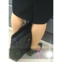 立ち読みしてる就職活動中?の女子大生を逆さ撮り【パンチラ動画】Rei 7作品セット販売