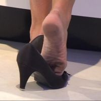 【SD動画】コンパニオンの汚れた足の裏