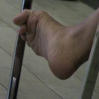 【HD動画】ランチ中OLの靴脱ぎ6