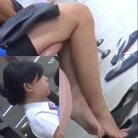 【フルHD動画】休憩中ショップ店員のパンプス脱ぎ5