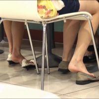 【HD動画】女子大生、足の裏のコラボ 1/2