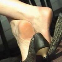 【SD動画】ランチ中OLの靴脱ぎ5