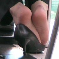【SD動画】ランチ中OLの靴脱ぎ8