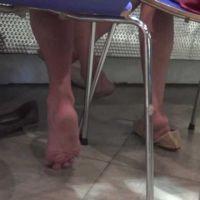 【HD動画】素足で直床、狂喜の両足パンプス脱ぎ(ロング版)