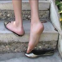 【HD動画】ルーズパンプス・イン・パーク