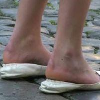 【SD動画】靴のかかとを踏んで履く女子2