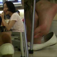 【HD動画】椅子の下から見える足の裏3シーン