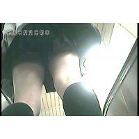 【逆さ撮り】JKのスカートの中【駅エスカレーター】<iPhoneスマホ対応>