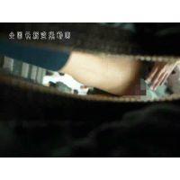【逆さ撮り】JKのスカートの中、食い込みパンツ【駅階段】<iPhoneスマホ対応>