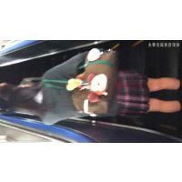 丸○駅のエスカレーターで前にいた清楚系JKのスカートの中にカメラを突っ込んでやった・・