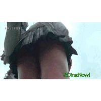 【逆さ撮り】黒ギャルJK2人の制服ミニスカートの中【渋谷】<iPhoneスマホ対応>