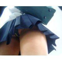 派手なパンチュの激ミニ制服女の子【動画】パンチラ☆ショッピングvol.3