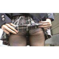 【携帯版】現役JKの黒タイツパンチラ撮りました