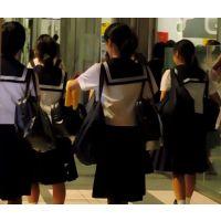学校帰り制服姿の女の子黒髪白ソックス両肩にバッグ【動画】街撮り編 1001